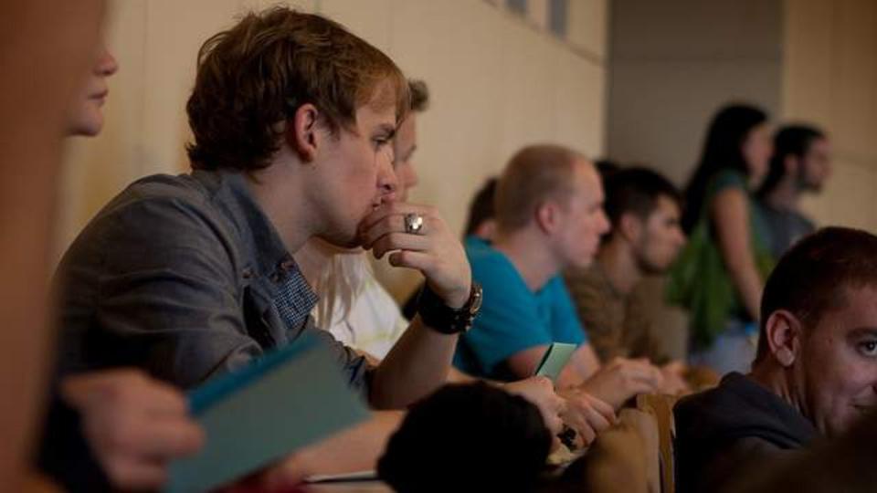 授業に集中するカギは「教室でどの席に座るか」だった