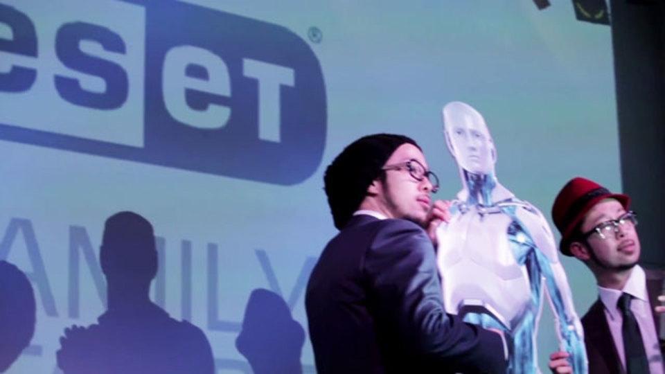 「彼女」みたいなセキュリティソフト? 上鈴木兄弟がラップで「ESET(イーセット)」をプレゼンします