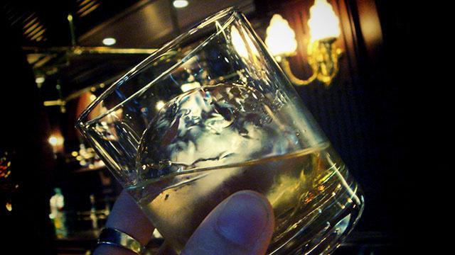 バーで出される氷が巨大な理由