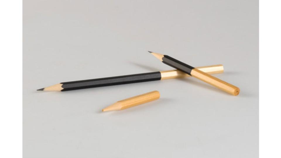 発想の転換で弱点を克服。芯を最後まで使い切れるスマート鉛筆