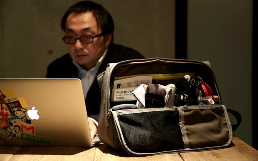 「ひらくPCバッグ」の開発に学ぶ、ネットで話題になるプロダクトのつくりかた