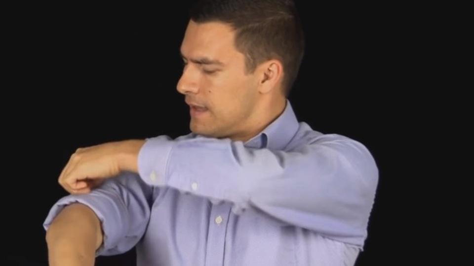 完璧でかっこいい腕まくり「マスターロール」のやり方