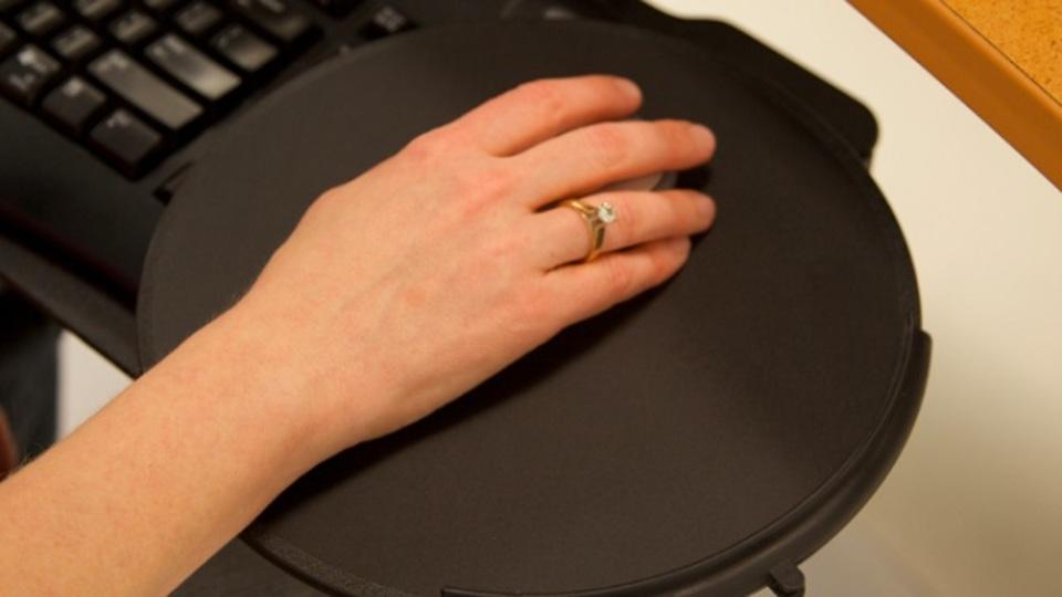 PC作業中の手首の痛みから解放される「正しい手首のポジショニング」