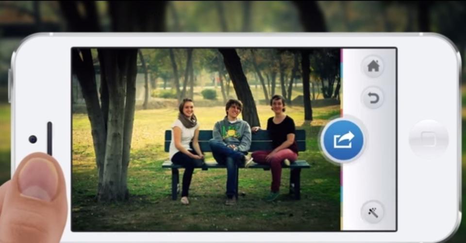 記念写真にレボリューション。撮影者も一緒に写れるアプリ『Groopic』