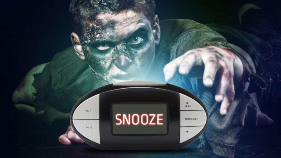 目覚ましのスヌーズボタンはあなたをゾンビにするかもしれない