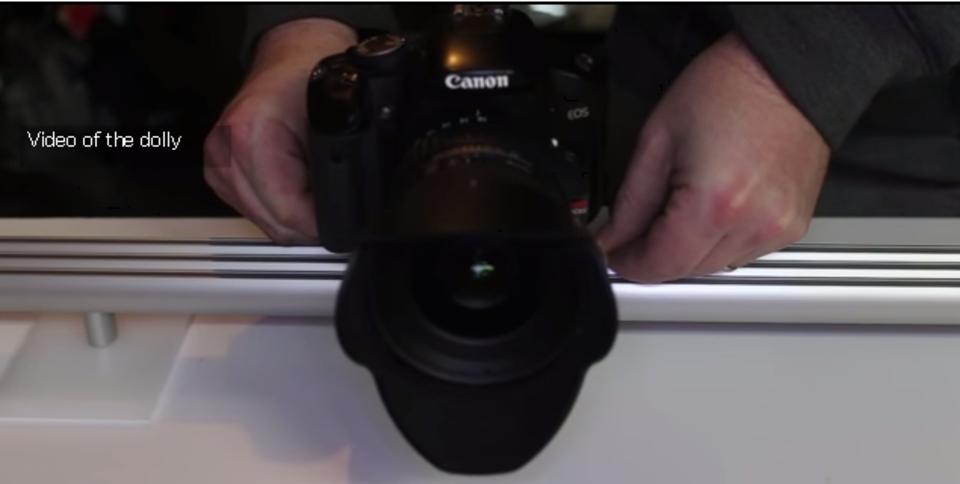 スムースな動きでビデオ撮影ができる「カメラスライダー」を自作
