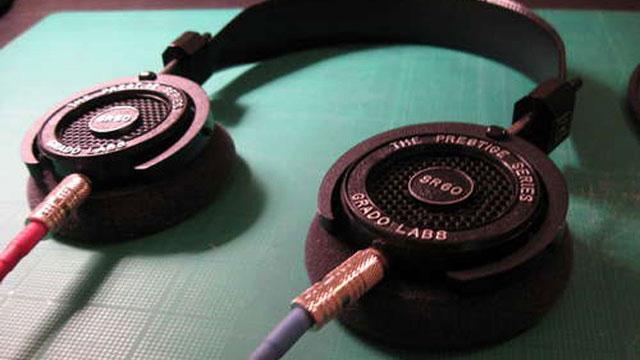 ヘッドフォンに着脱可能なケーブルを付ける方法