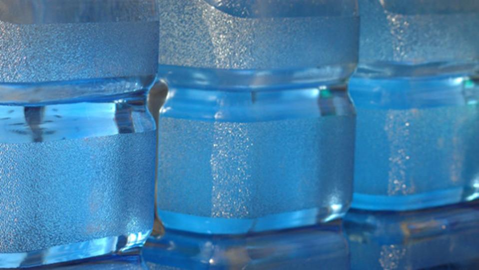 緊急用の水はどれくらい備蓄しておくべきか