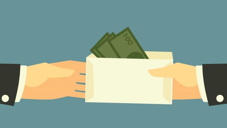 最初に金額を出したら負け? 給料交渉を成功させる方法