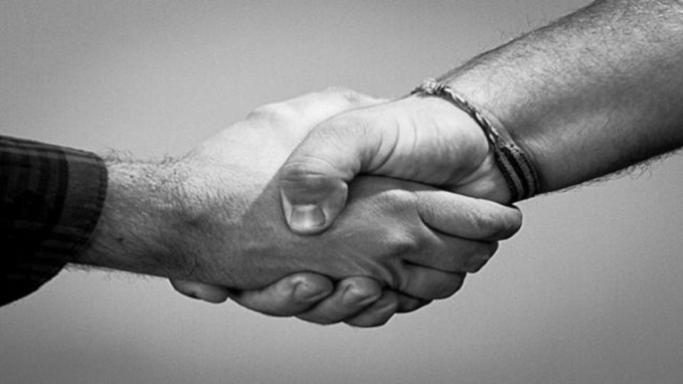 やっかいな交渉をスムーズに進める秘訣は「一緒に食べながら話し合うこと」