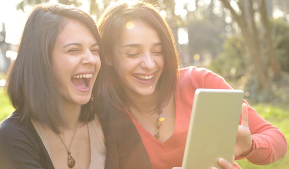 たくさん笑えば、物忘れを防止することにもなる:研究結果