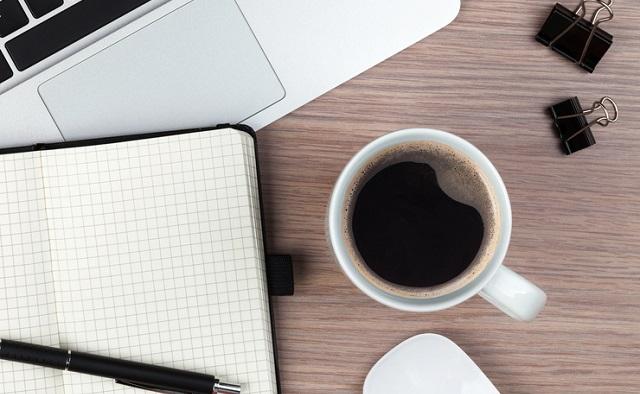 コーヒー、仕事、集中力、カフェイン