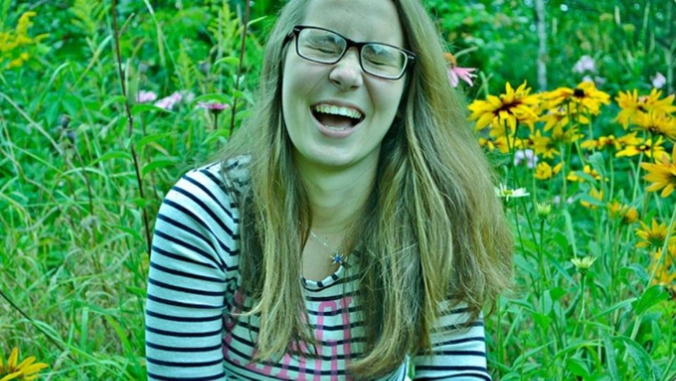 愛想笑いは呼吸で見抜ける