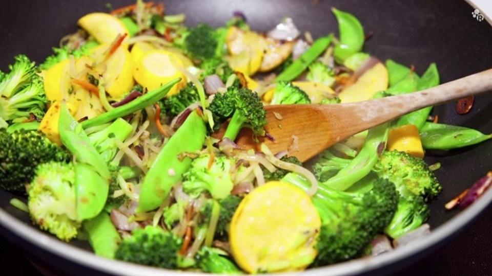 調理時間を7分以内にすれば野菜の変色が防げておいしく仕上がる
