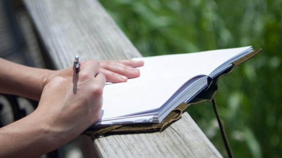どんなに忙しくても、毎日書きとめたい3つのこと