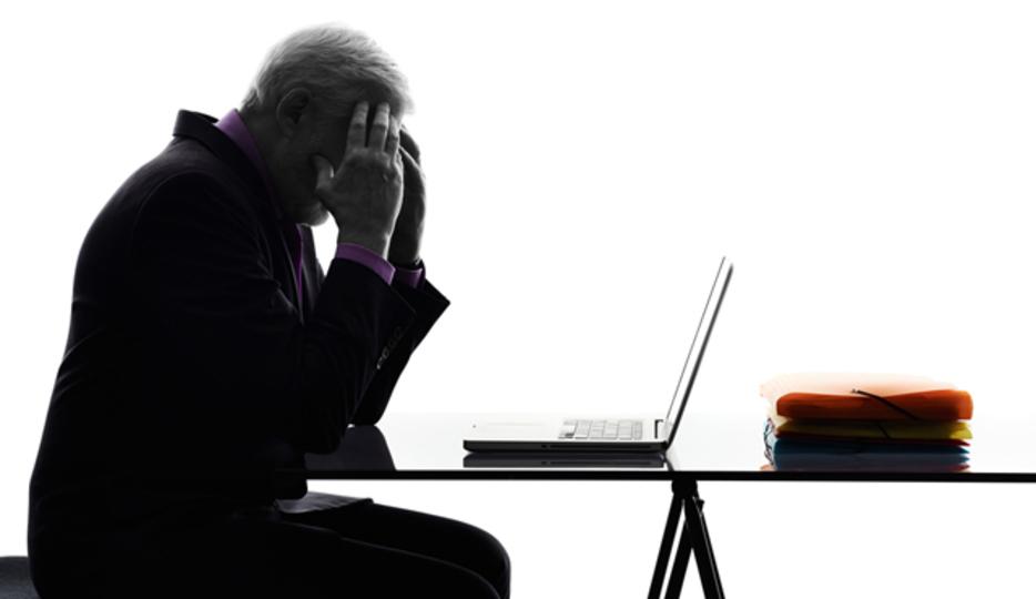1日中座っていると健康に悪いだけでなく、脳にも悪い
