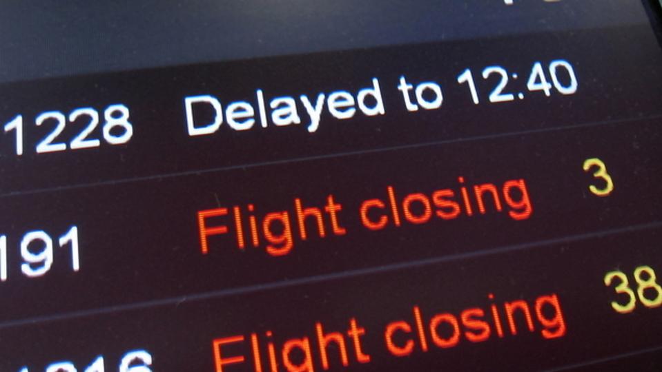 飛行機の遅延を未然に避けるには「早朝6時〜7時のフライト」がベスト