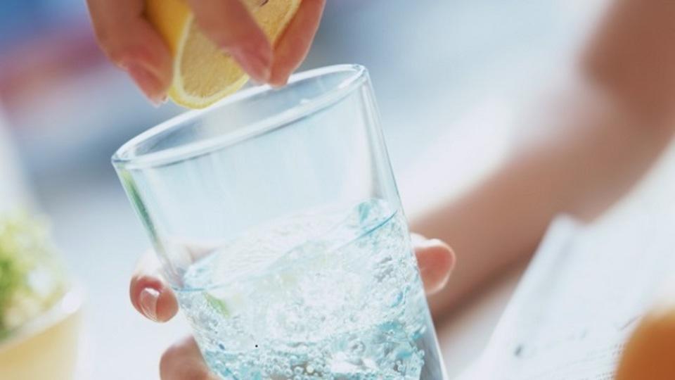 速攻で体に水分チャージできる自家製ミネラルドリンクのレシピ