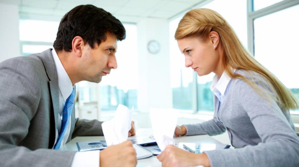 職場での対立を速やかに解決する5つの質問
