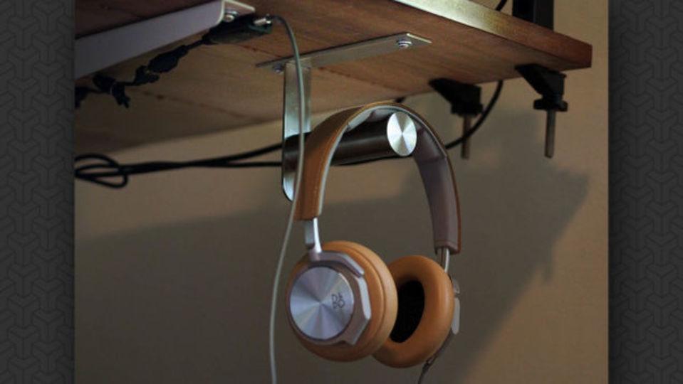 目立たず、機能的に。ヘッドフォンを美しく収納するイケアハック術