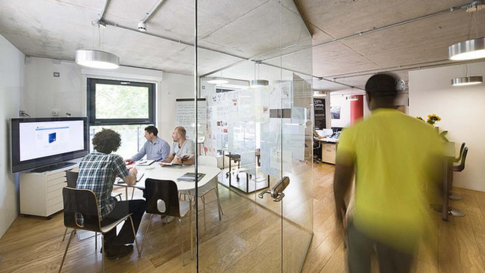 理想的なミーティングの長さは15分:TEDの成功から学べること