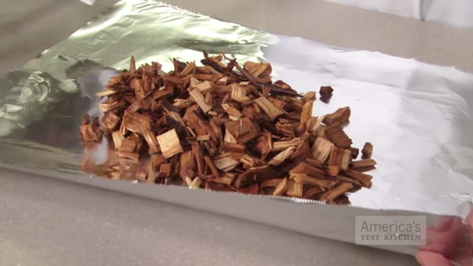 ガス調理器で本格的な香りの燻製を作る手順