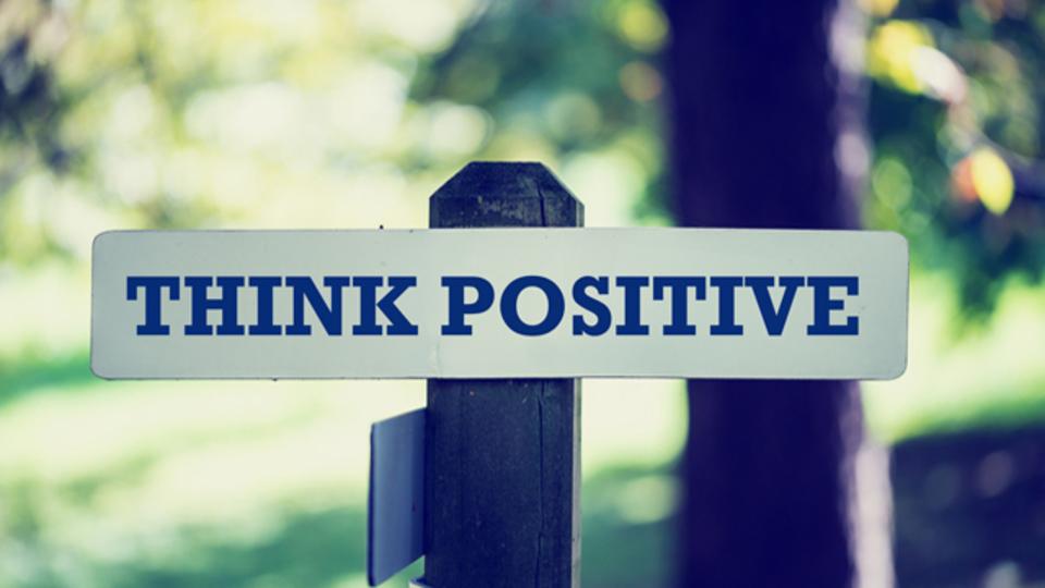 メンタルヘルスの専門家が教える、ネガティブ思考を変える4つのヒント