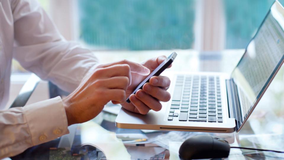 メールのチェックは決まった時間だけに:脳科学者からのアドバイス