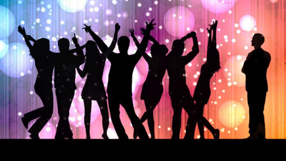 内向的でもパーティーは楽しめる。あとで後悔しないために覚えておきたいコツと準備