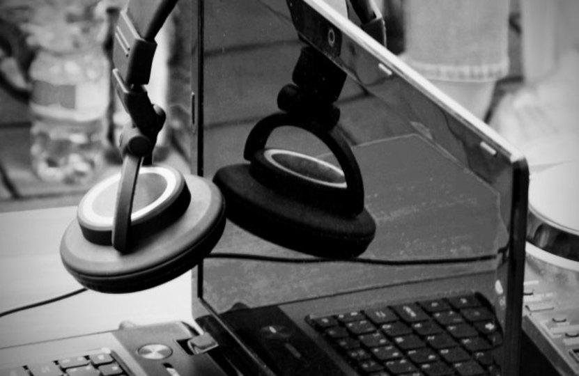 JavaScriptで様々な音楽を作り出せるDAWサービス「wavepot」