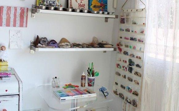 子供部屋のおもちゃは「壁掛けジュエリーケース」に収納すれば散らかりにくい
