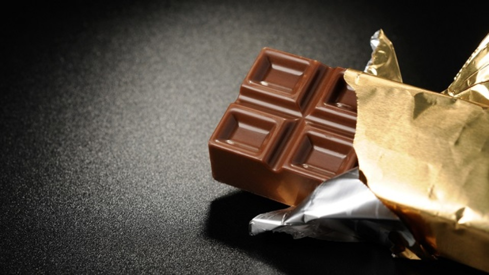 チョコレートが無性に食べたくなる衝動を抑える方法