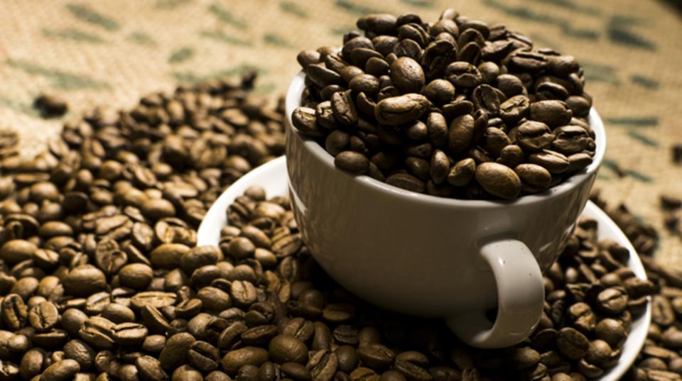 コーヒーなしでも生産性を上げる6つの代替案