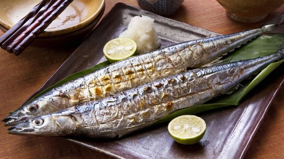 旬の秋刀魚を、面倒くさいグリルの代わりにフライパンでおいしく焼くコツ