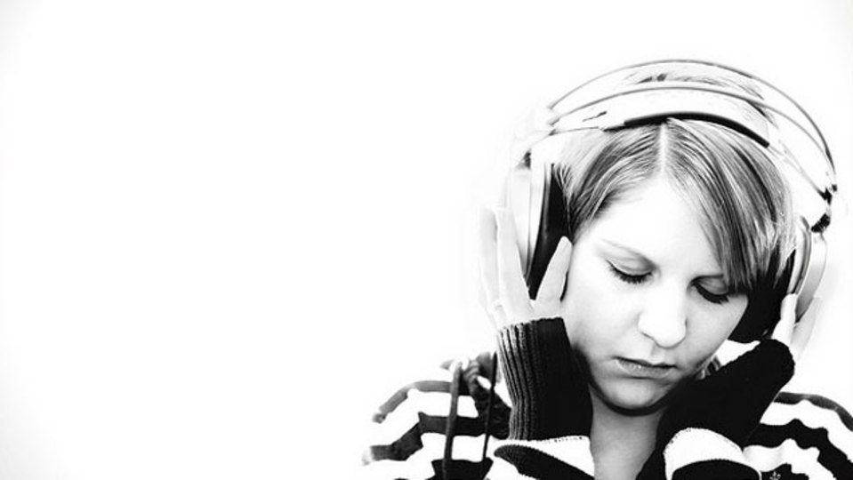 好きな音楽を15分だけ。ここぞという時に集中する簡単な方法