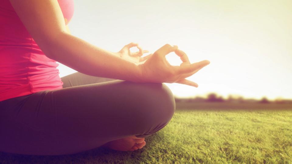 瞑想の基本はシンプル。「脳の定期メンテナンス」として取り入れてみよう