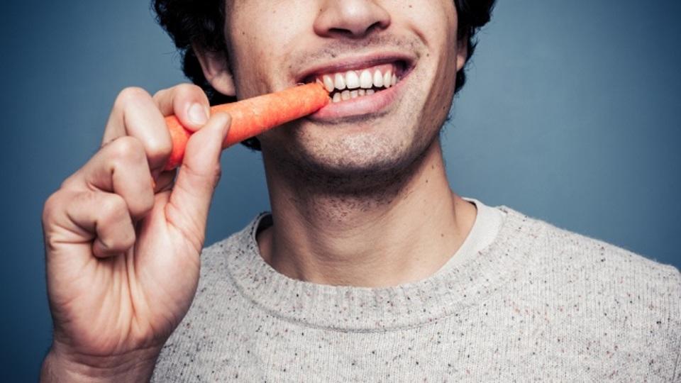 野菜を食べると精神的な幸福度が上がる:研究結果