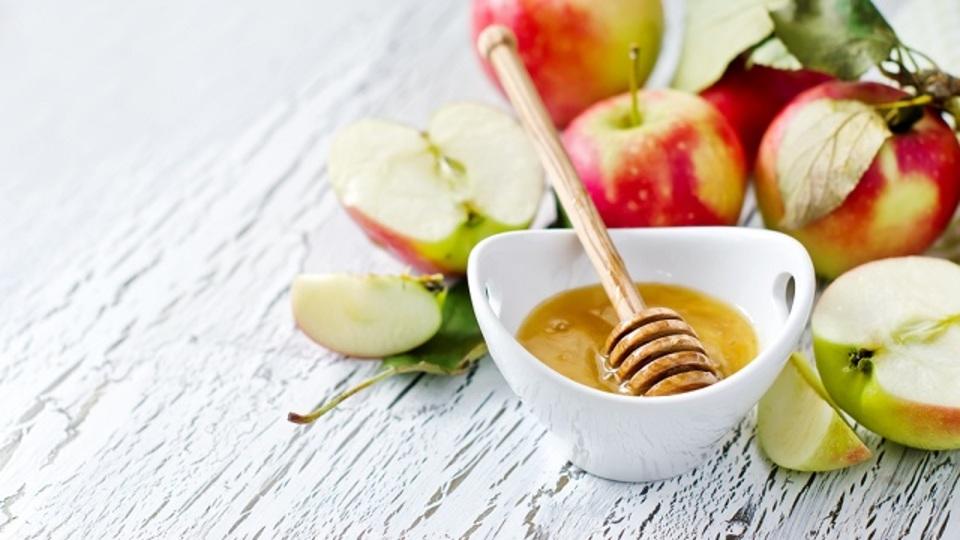 フィレンツェ伝承。ハチミツとリンゴ酢で作る「せき・ノド用シロップ」