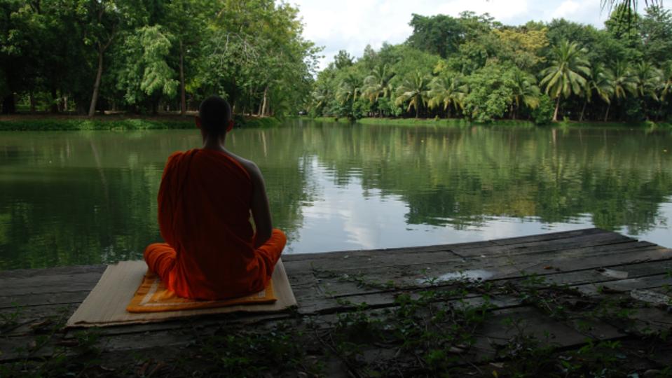 マインドフルネス瞑想は思っているよりもずっと簡単。心を無にしなくてもOK、短時間でもOK