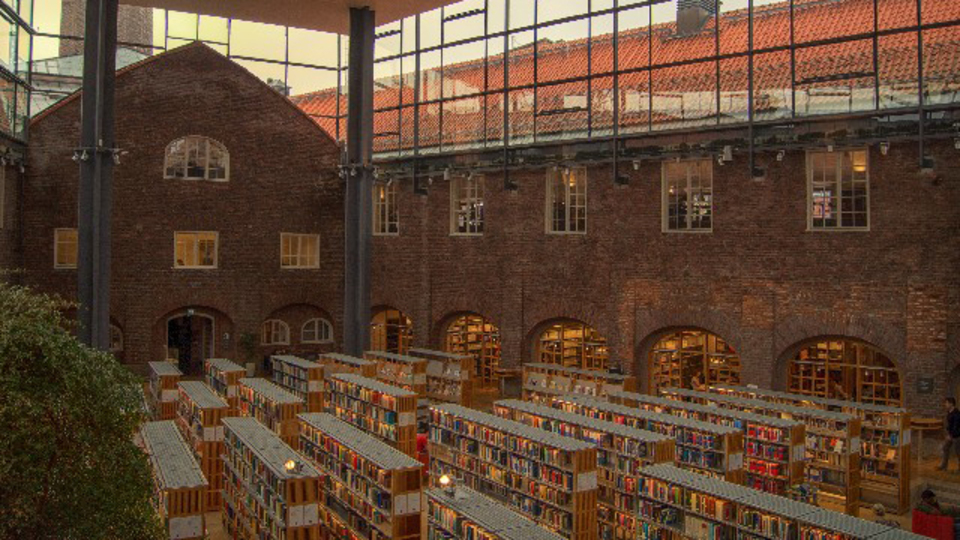 Amazonより早く欲しい! 近くの図書館/本屋の在庫状況がわかるiPhoneアプリ『Takestock』