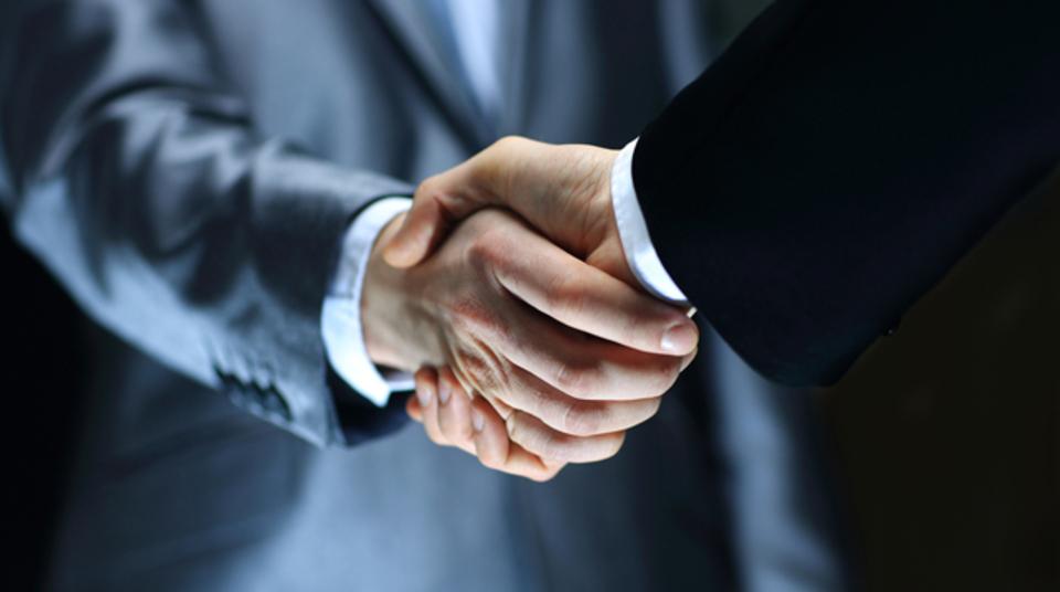 職場で周囲の信頼を積み上げる3...