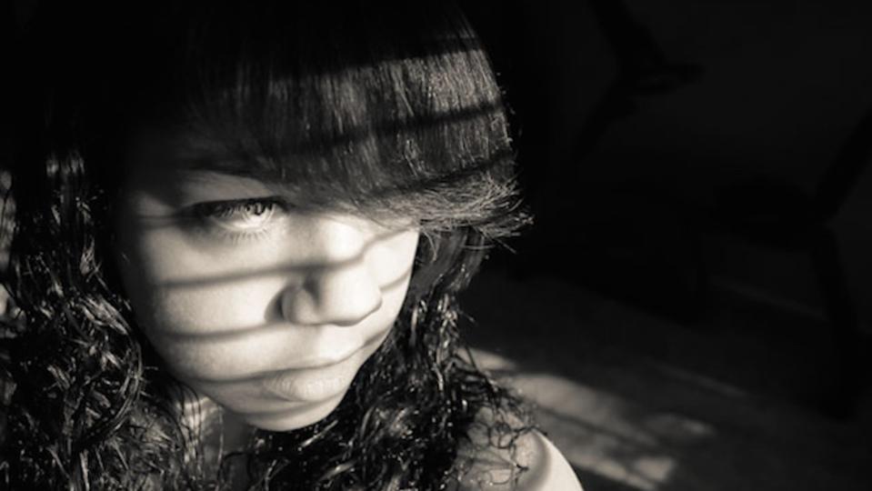 あまり知られていない、思春期の子どもに見られるうつ症状の兆候