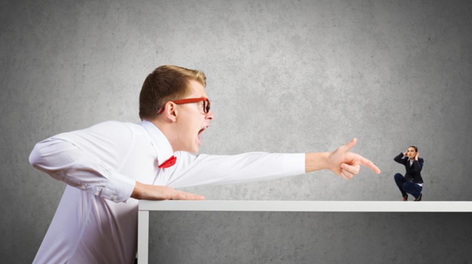 「議論」を「口論」にしないコツ:攻撃する対象を相手ではなく論点にする