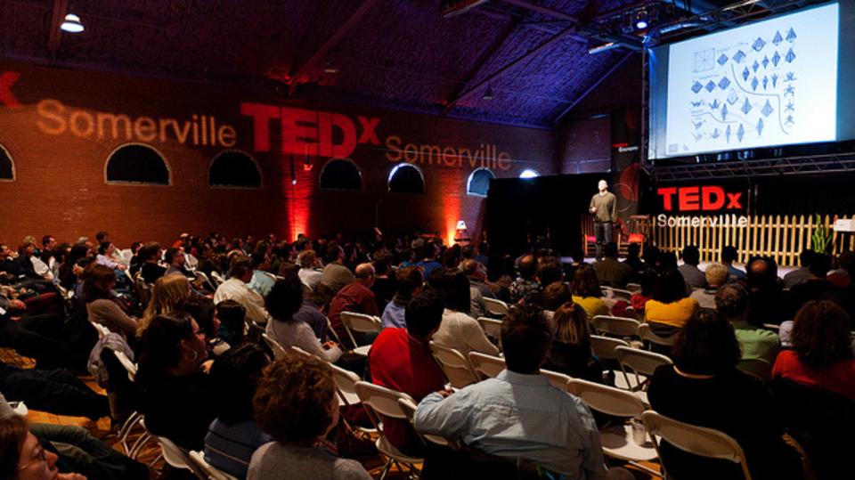 仕事するなら役に立つ、選りすぐりのTED講演たち