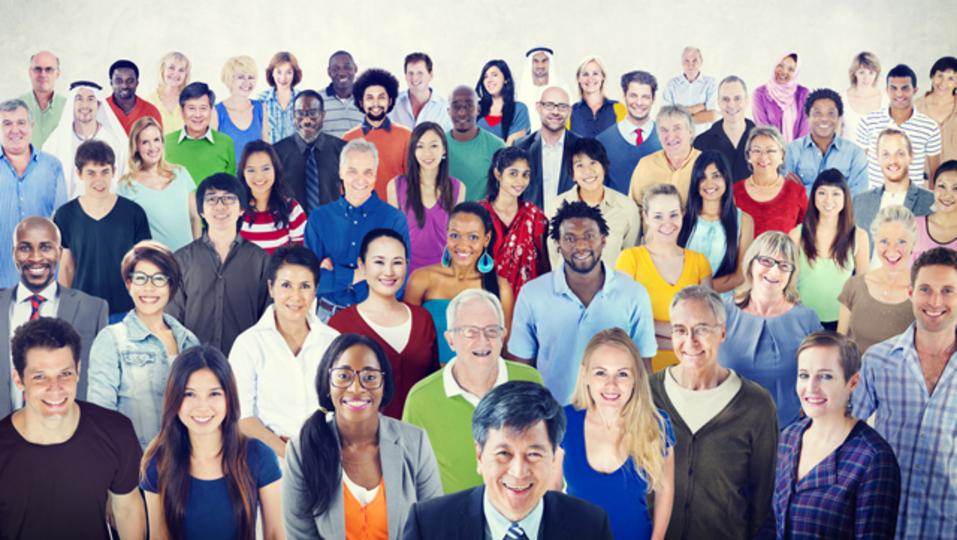 多様性のある職場環境は、収益は上がっても社員が幸せとは限らない:研究結果