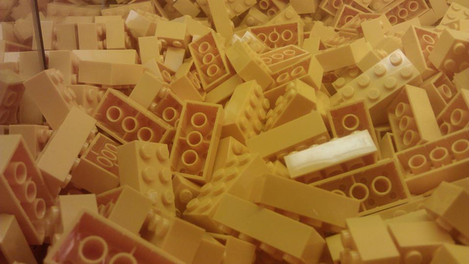 黄ばんだレゴブロックをきれいにするお手入れ方法