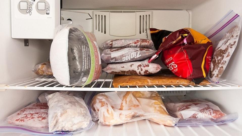 冷凍しがちだけど再冷凍をしてはいけない食品