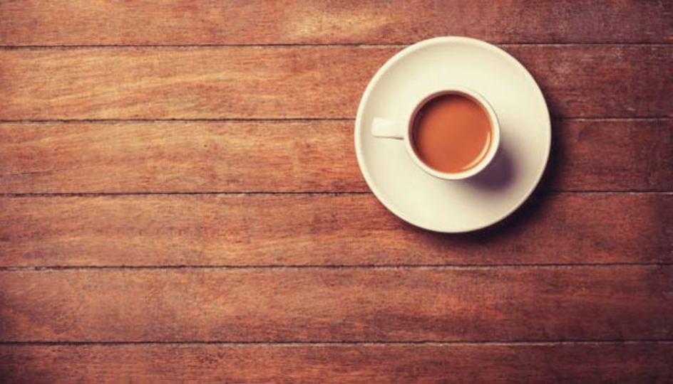 カップやお皿の色で、味の濃さや甘さの感じ方は変わる:研究結果