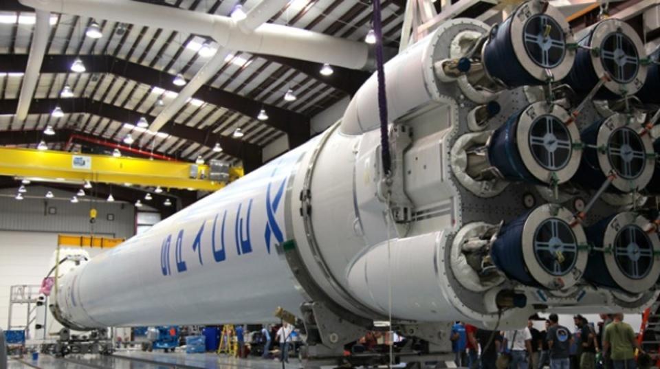イーロン・マスク氏がロケットの海上着陸パッドを公開