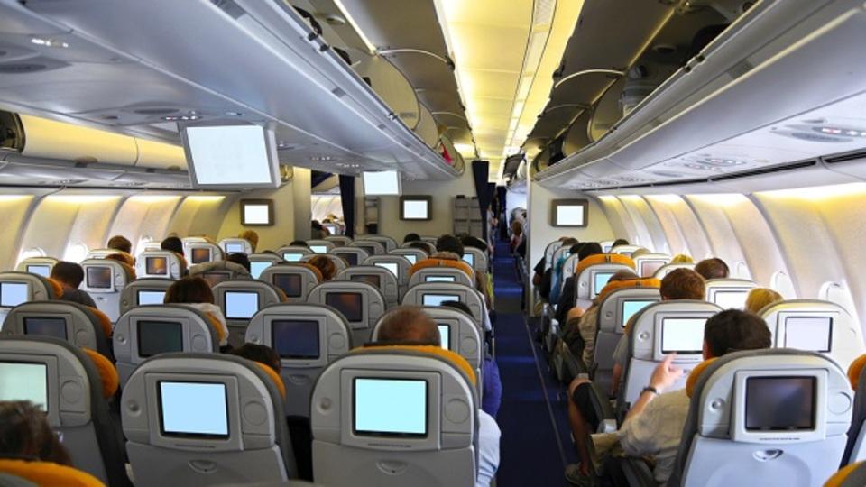 機内で風邪をうつされないために自分でできる予防戦術
